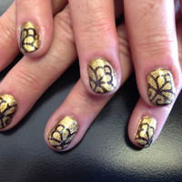 Nails gold brown